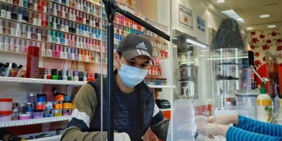 Shimeng Feng, Nail Salon